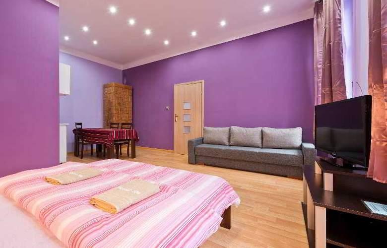Queens Apartments - Room - 6