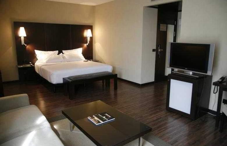 AC Zamora - Room - 9
