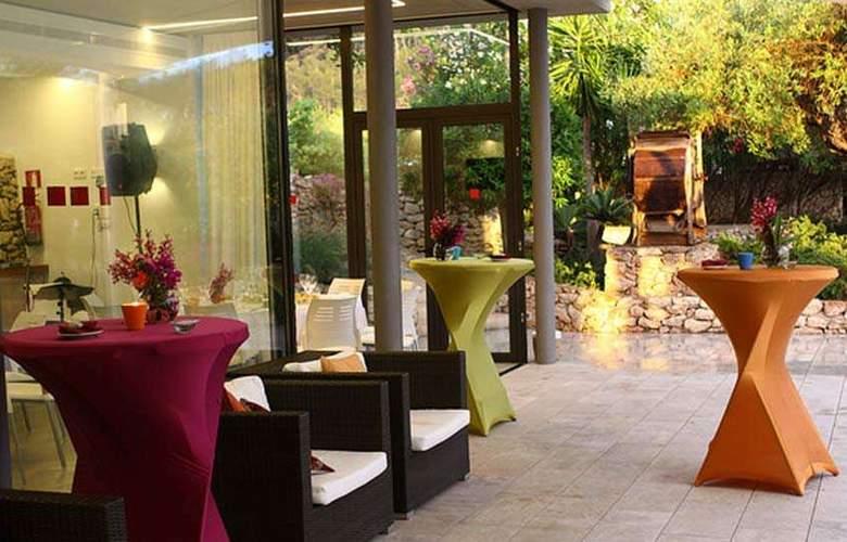 Can Lluc Boutique Country Hotel & Villas - Terrace - 8