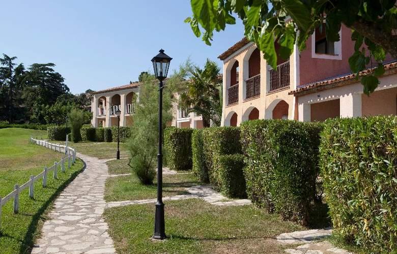 P&V Residence les Parcs de Grimaud - Hotel - 6