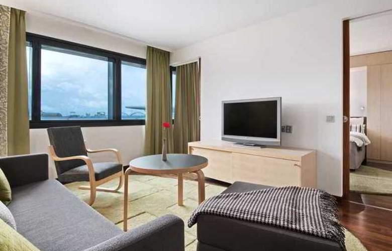 Hilton Helsinki-Vantaa Airport - Hotel - 8