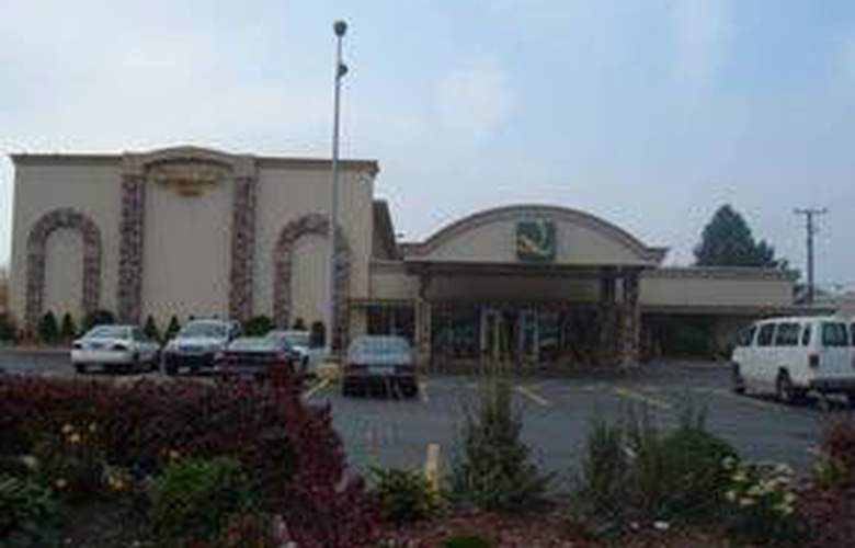 Quality Inn & Suites (Warren) - Hotel - 0