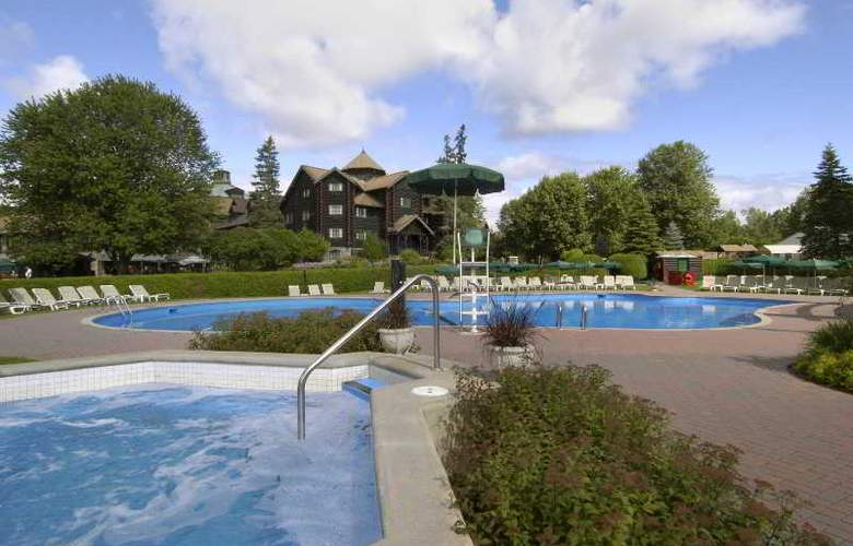 Fairmont Le Chateau Montebello - Pool - 7