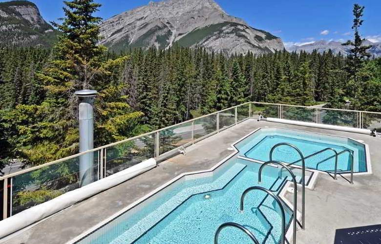 Inns of Banff - Pool - 6