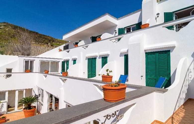 Villa Fumerie - Terrace - 17