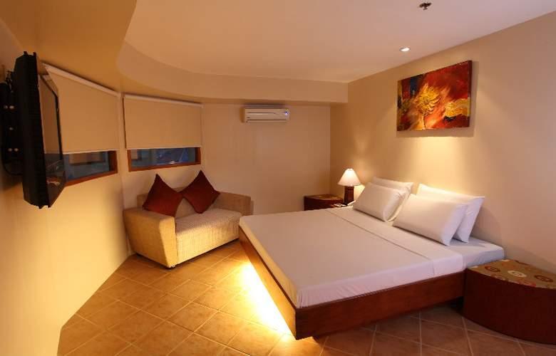 Gran Prix Manila - Room - 5