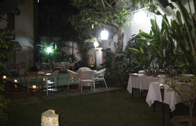 Spazzio Hotel Bali - Restaurant - 25