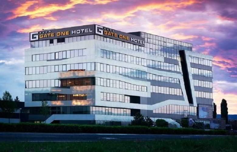 NH Bratislava Gate One - Hotel - 0
