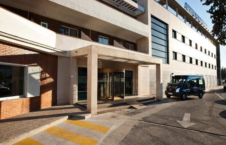 UVE Villa de Alcobendas - Hotel - 0