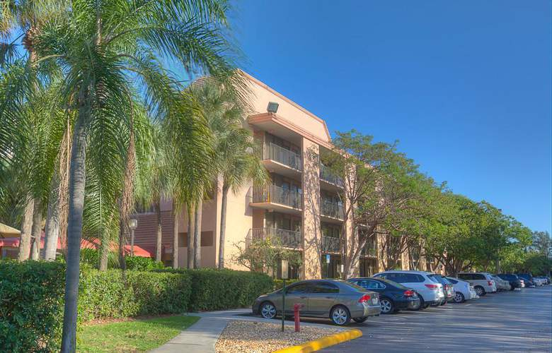 Quality Inn & Suites Airport/Cruise Port South - Hotel - 0