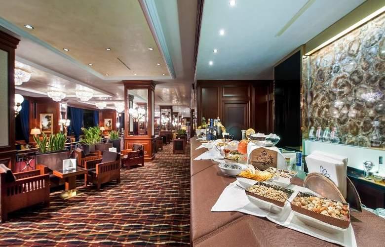 Royal Hotel Carlton - Bar - 14