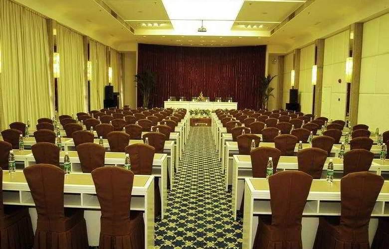Yun Shan - Conference - 7