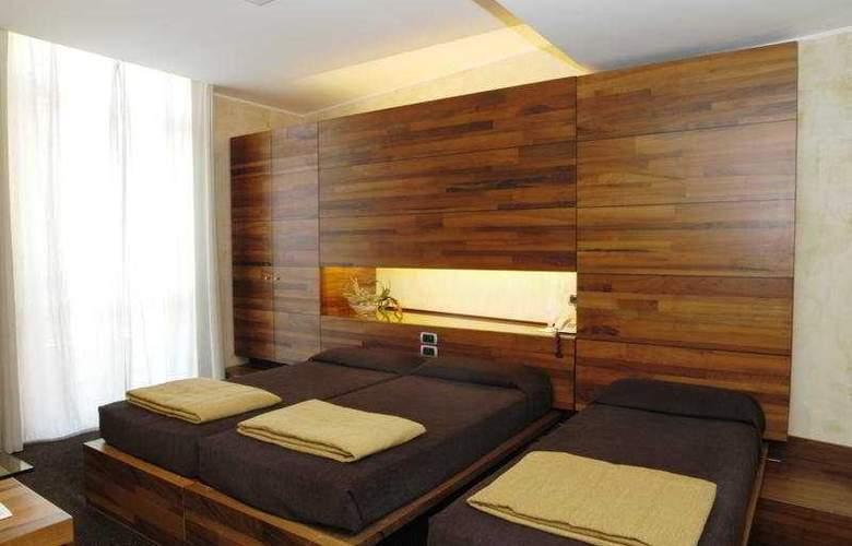 Tritone - Room - 6
