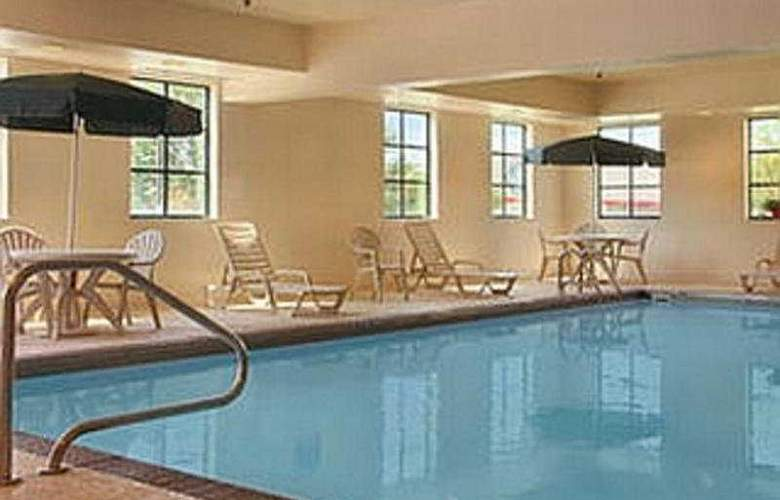 Wingate By Wyndham-Indianapolis Airport - Pool - 6