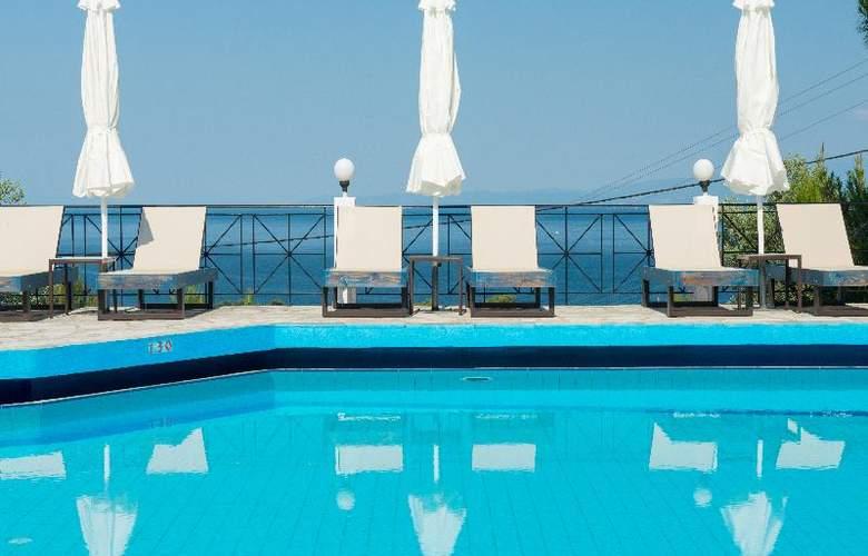 Hotel Villa Natassa - Pool - 11
