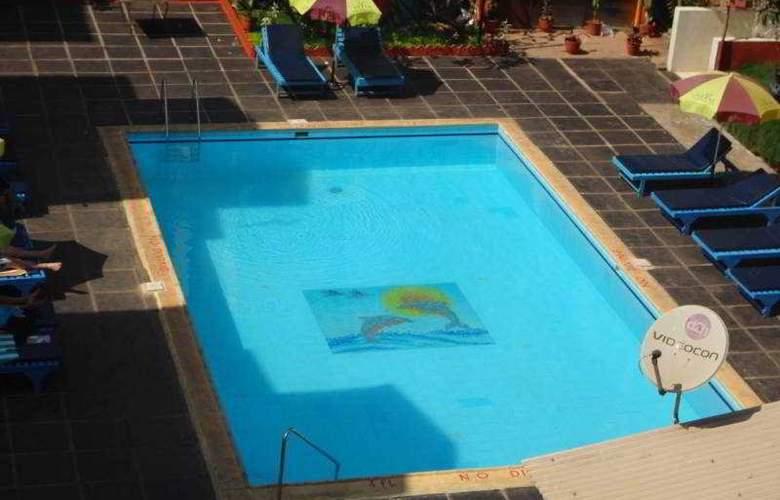 Park Avenue - Pool - 10