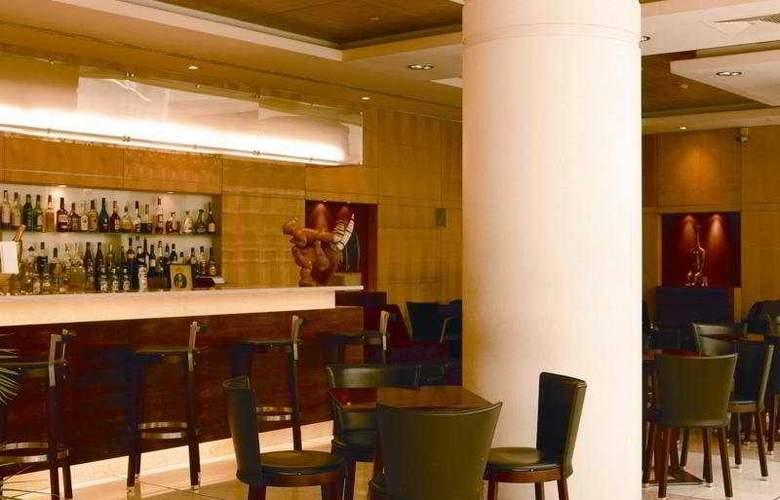 VIP Executive Entrecampos Hotel & Conference - Bar - 6