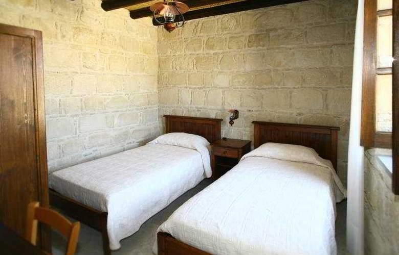 Leonidas Village Houses - Room - 3