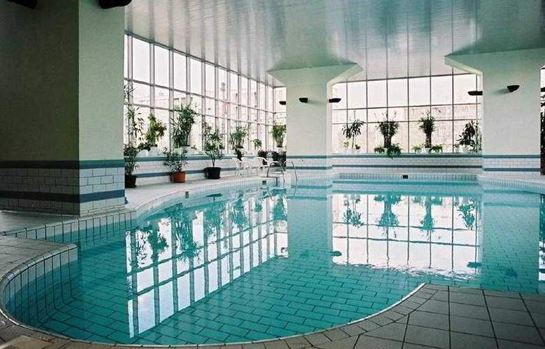 Ceu Conference Centre - Pool - 3