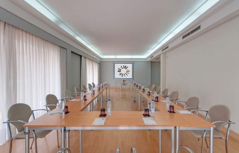 Be Smart Nayade Hotel - Conference - 4