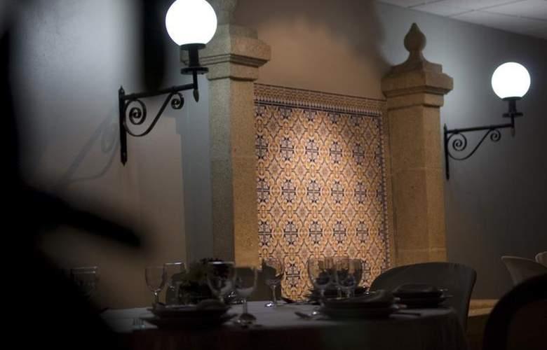 Rainha d'Amélia - Restaurant - 23