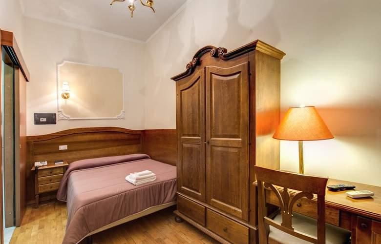 Cambridge - Room - 14