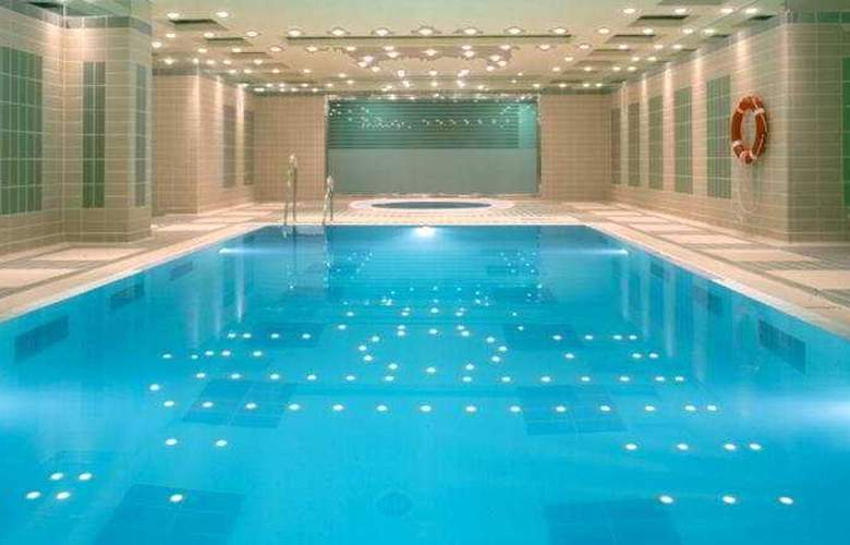 Nordic Hotel - Pool - 4