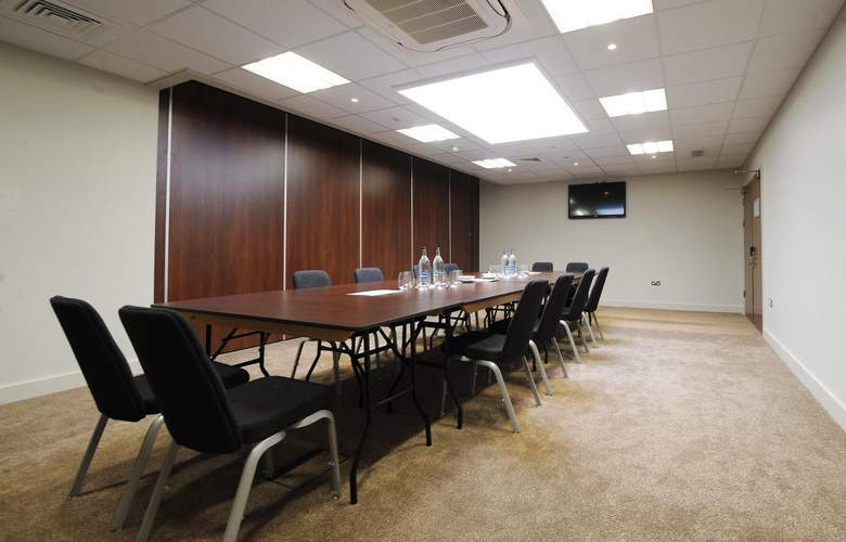 Holiday Inn London-Luton Airport - Conference - 4