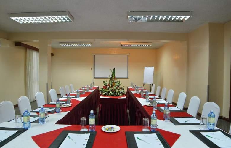 Jacaranda - Conference - 4