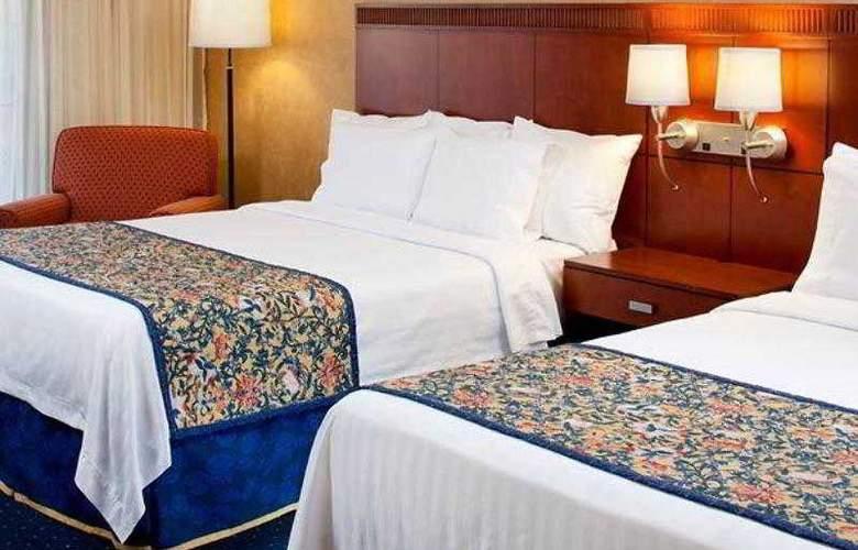 Courtyard Cincinnati Blue Ash - Hotel - 25