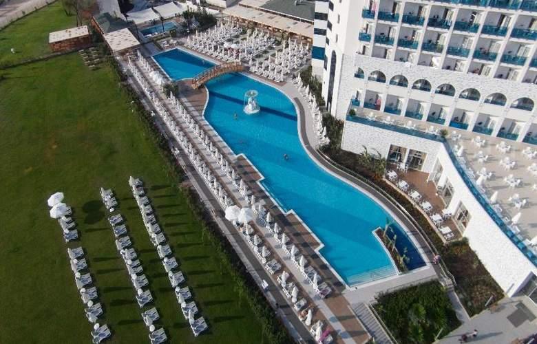 Water Side Delux Resort - Hotel - 19
