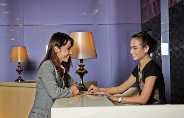 Radisson Suites Bangkok Sukhumvit - Hotel - 5