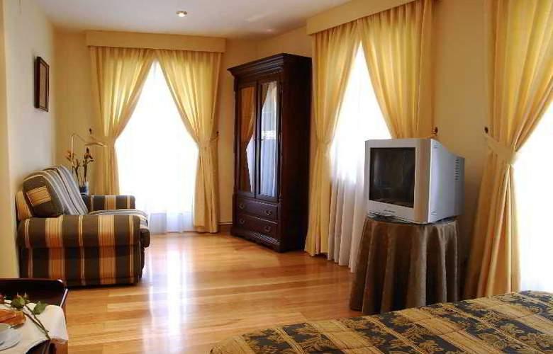 Jaume - Room - 9