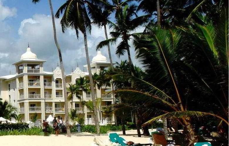 Hotel Riu Palace Punta Cana - Beach - 3