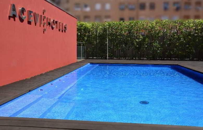 Acevi Villarroel - Pool - 14