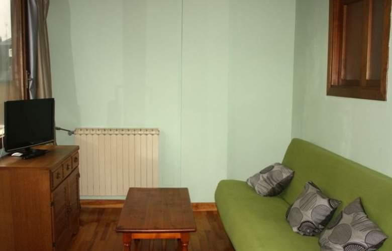 Apartamentos Candanchú 3000 - Room - 3