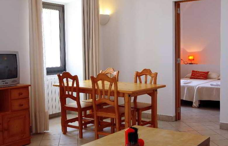 Petit Hotel Hostatgeria Sant Salvador - Room - 2