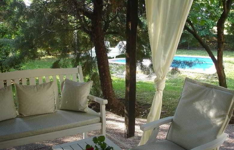 Petrino Suites - Terrace - 7