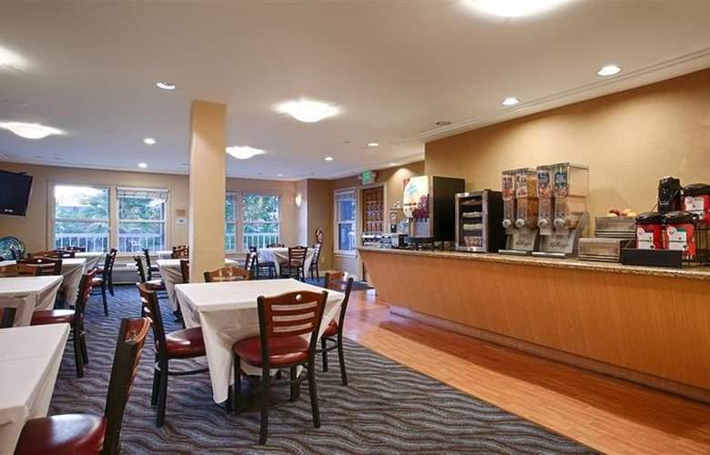 Best Western Plus Mountain View Inn - Restaurant - 43