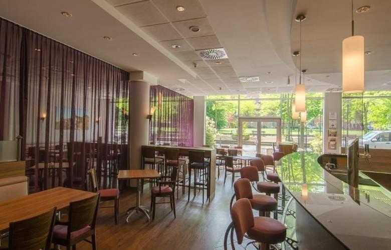 Express By Holiday Inn Essen - Bar - 5