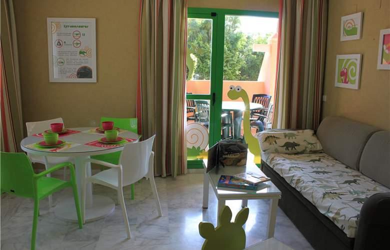 Holiday World Resort - Room - 15