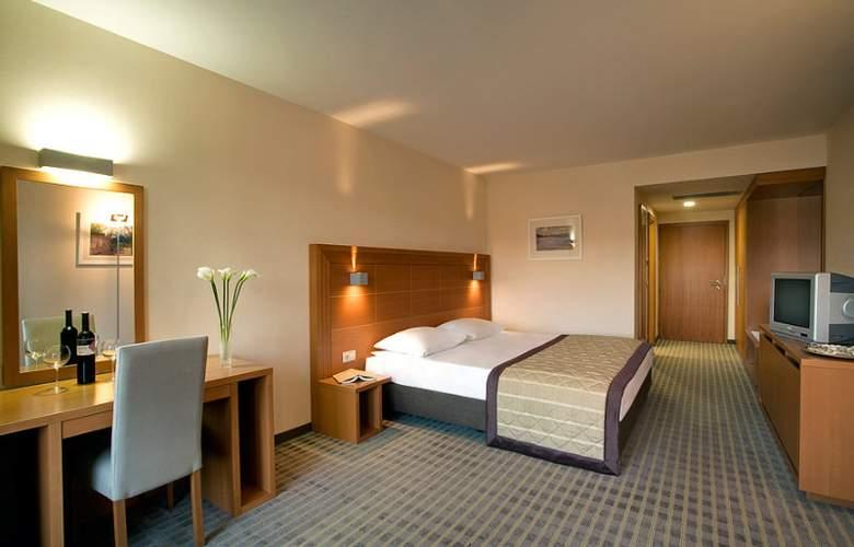 Luna Island Hotel - Room - 2