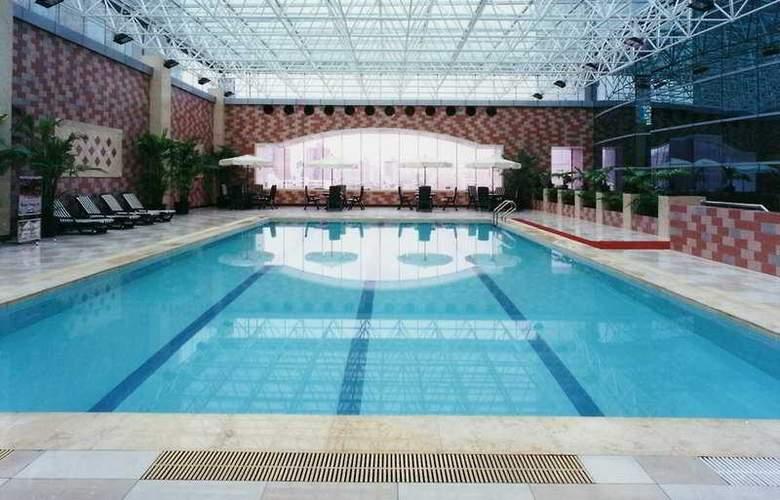 Holiday Inn Pudong - Pool - 6