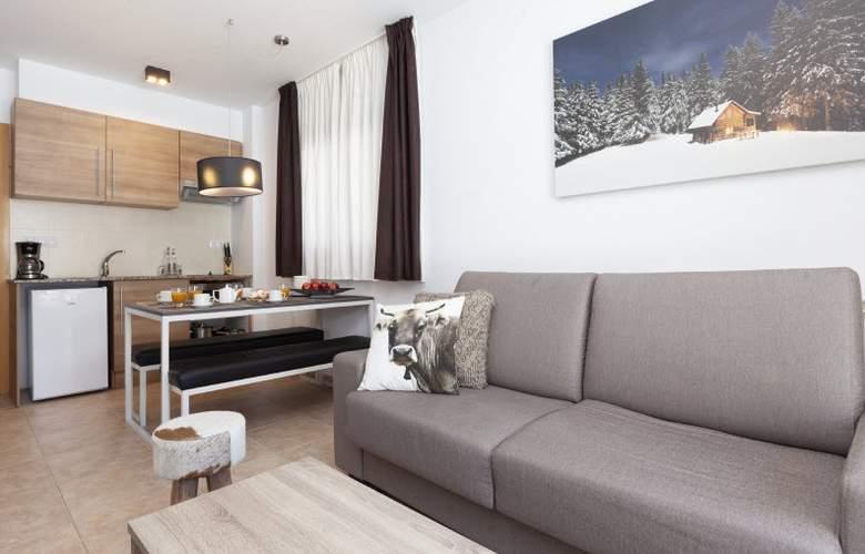 Apartamentos Segle XX - Room - 10
