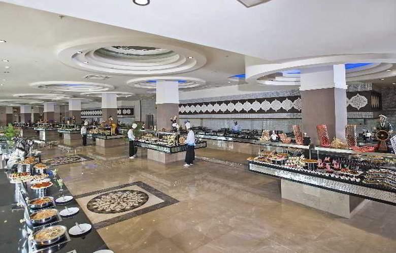 Crystal Sunset Luxury Resort & Spa - Restaurant - 5
