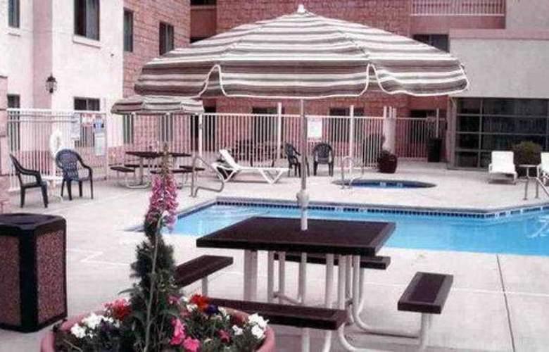 Hampton Inn & Suites Denver Tech Centre - Pool - 4