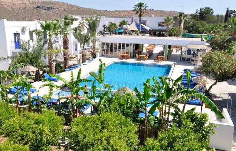 Dilek Hotel & Apartments - Pool - 2