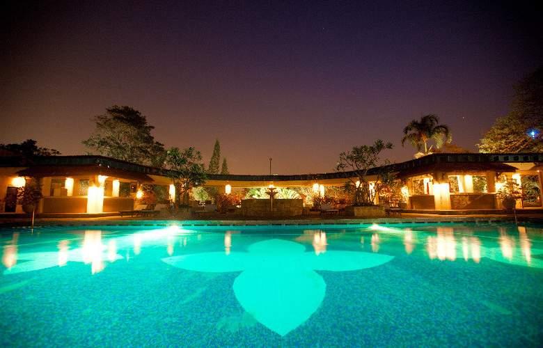 Taj Samudra - Pool - 25