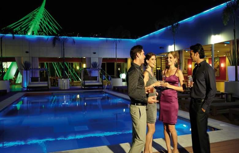 Hotel Riu Plaza Guadalajara - Pool - 17