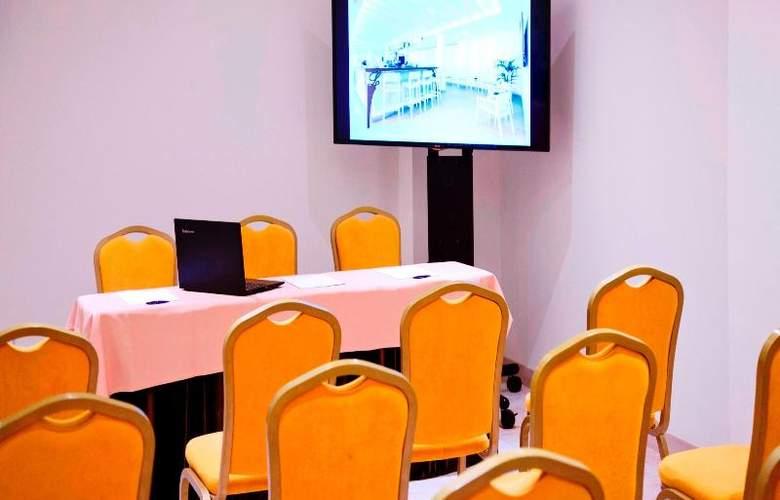 La Pergola Aparthotel - Conference - 77